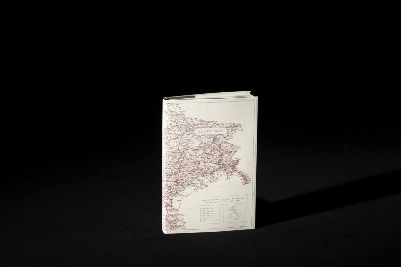 arles rencontres 2021 author book award)