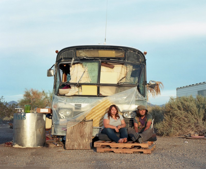 Laura Henno, Revon et Michael, Slab city (USA), 2017