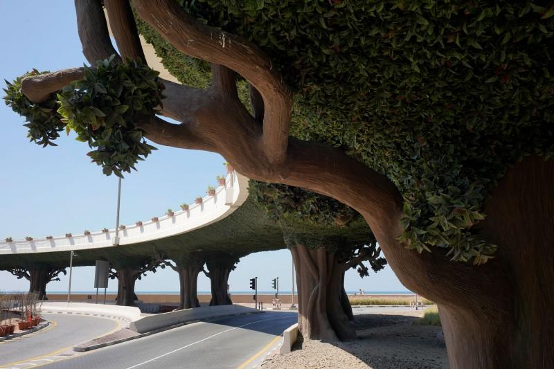 Mario Del Curto, Artificial bridge and trees, Dubai, 2018.