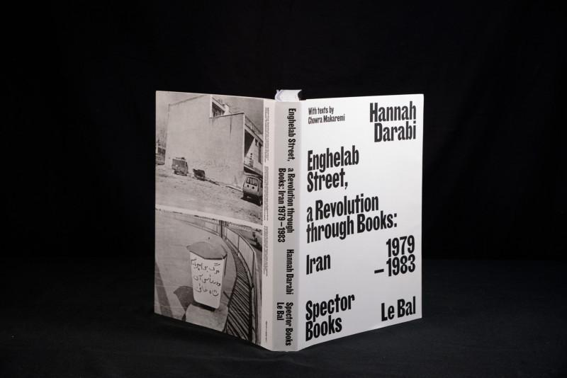 Hannah Darabi, Enghelab Street - A Revolution Through Books : Iran 1979-1983