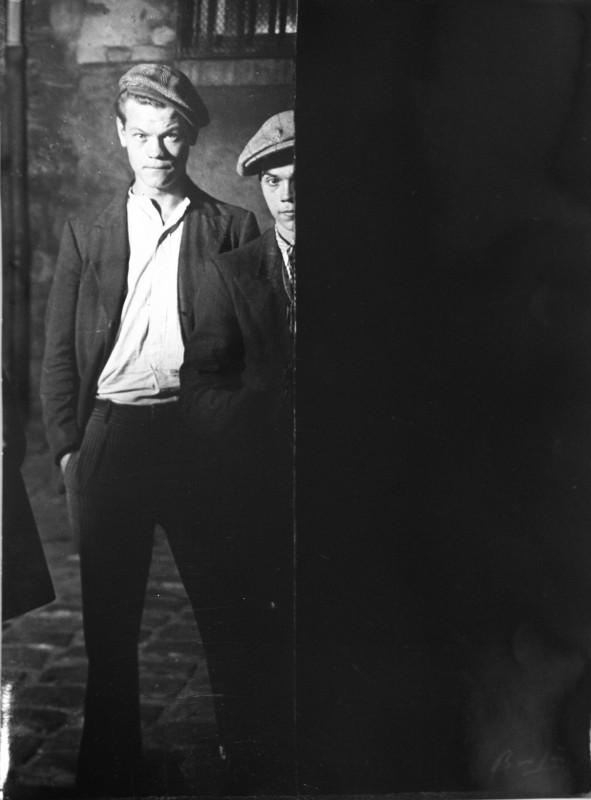 Brassaï, Toughs in Big Albert's Gang, c. 1931-1932. Gelatin silver print, 30.1 x 20.3 cm. Courtesy of The Museum of Photography, Seoul.